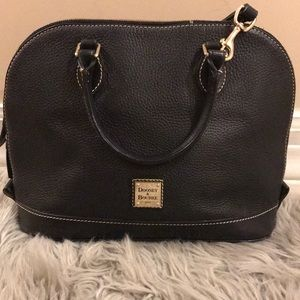 Dooney & Bourke black purse 👛